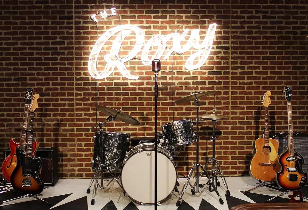 the roxy bar